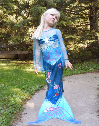 (She tells me this is how the fancy mermaids get their picture taken...)